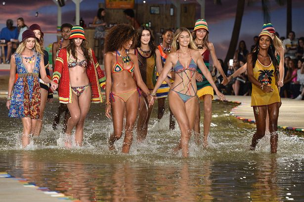 Gigi-Hadid-Walks-The-Runway-in-a-Bikini-at-The-Hilfiger-Spring-2016-Show