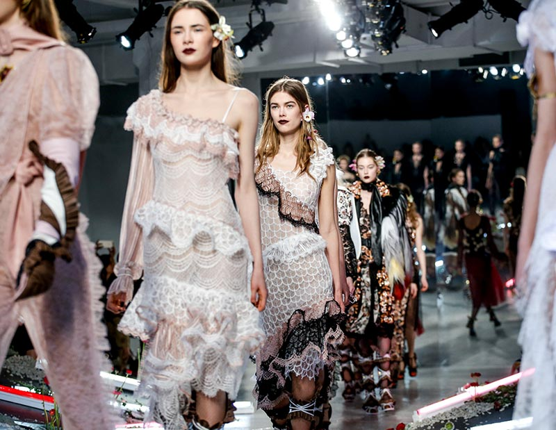 Rodarte_fall_winter_2016_2017_collection_New_York_Fashion_Week1